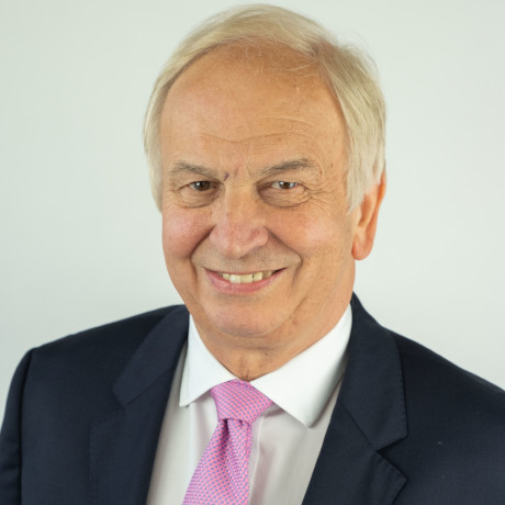https://www.mvpartners.co.uk/wp-content/uploads/2021/07/00A-PETER-CULLUM-PREFERRED-PHOTO-Head-shot-colour-smiling-with-teeth-1.jpg